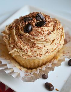 Vegan White Russian cupcakes
