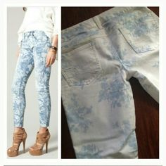 Floral jeans Beautiful floral print stretch jeans...great for summer American Eagle Outfitters Jeans