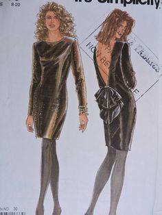 Evening Dress V Back Neckline Feminine Fashion Cocktail Dress Feminine Fashion, Feminine Style, Vogue Sewing Patterns, Costume Patterns, Cool Patterns, Pattern Fashion, Evening Dresses, Vintage Fashion, Cocktail