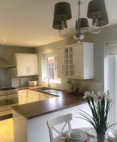 Kitchen Diner Extension, Open Plan Kitchen Diner, Open Plan Kitchen Living Room, Grey Kitchens, Home Kitchens, Kitchen Interior, Kitchen Decor, Kitchen Ideas, Conservatory Kitchen