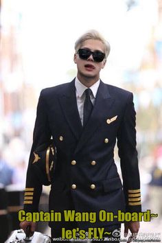 Pilot Jackson. That is a plane I would never want to get off of. #GOT7 #JacksonWang #UltimateBias
