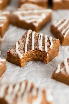 Zingy Ginger Molasses Blondies - Broma Bakery Broma Bakery, Muffins, Top With Cinnamon, Cupcakes, Sweets Recipes, Bar Recipes, Vegetarian Chocolate, Holiday Desserts, Sweets