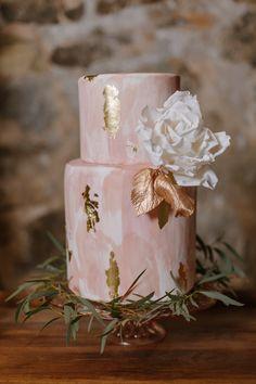 Featured Photographer: L.A. Birdie Photography; wedding cake idea