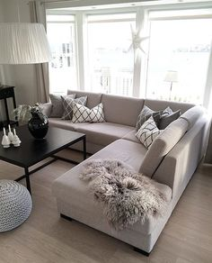 37 grey small living room apartment designs to look amazing 1 Living Room Sofa Design, Living Room Decor Cozy, Home Living Room, Apartment Living, Interior Design Living Room, Living Room Designs, Couch Design, Bedroom Decor, First Apartment Decorating