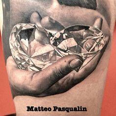 Hand with diamonds Tattoo By Matteo Pasqualin Juwel Tattoo, Tattoo Hurt, Sword Tattoo, Make Tattoo, 3d Tattoos, Great Tattoos, Beautiful Tattoos, Beautiful Body, Garter Tattoos
