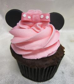 Ideas Baby Shower Cupcakes For Girls Pink Minnie Mouse Minnie Cupcakes, Girl Cupcakes, Wedding Cakes With Cupcakes, Fondant Cupcakes, Fun Cupcakes, Birthday Cupcakes, Cupcake Cookies, Decorated Cupcakes, Themed Cupcakes