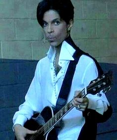 Tumblr : Prince 30 years in pictures