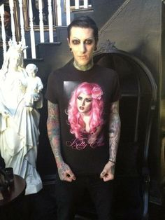 Chris Motionless in a Kelly eden shirt :3 :3