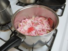 DIY: How to Make Rose Petal Beads from Your Valentine's Day Bouquets  - Lana