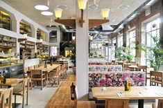 The latest restaurant from Barcelona-based Restaurateur Teresa Carles, Flax & Kale's philosophy centres around healthy eating and raw, wholesome vegetarian foods.