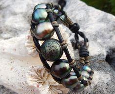"Island "" SIMPLE"" contrast leather OM PEARL bracelet. Made in Tahiti -Worlwide shipping. www.facebook.com/blackmarketpearls"