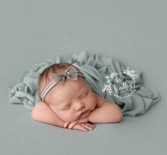 Newborn Baby Photos, Newborn Poses, Newborn Shoot, Newborn Pictures, Baby Girl Newborn, Sibling Poses, Newborns, Baby Boys, Do It Yourself Baby