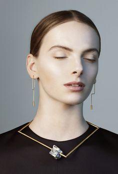 Jewellery as a fine art by MALIN HENNINGSSON