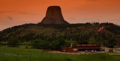 Devil's Tower, Wyoming (photo by E. Schoeman)