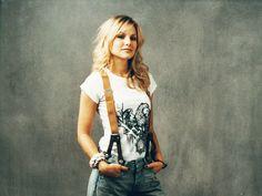 Kristen Bell- another fav actresses.