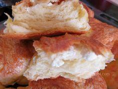Ζουζουνομαγειρέματα: Τυρόπιτες πακετάκια με σπιτική σφολιάτα μαγιάς! Camembert Cheese, French Toast, Cooking, Breakfast, Food, Cucina, Breakfast Cafe, Kochen, Essen