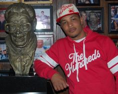 @Chicago Tribune Rapper-turned-actor T.I. dines at Harry Caray's Italian Steakhouse in River North
