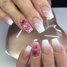 - Beauty and fashion ideas Fashion Trends, Latest Fashion Ideas and Style Tips Fabulous Nails, Gorgeous Nails, Cute Nails, Pretty Nails, Hair And Nails, My Nails, Encapsulated Nails, Beauty And Fashion, Latest Fashion