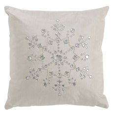 easy snowflake pillow to make. @Rachel Radloff - what do you think ...
