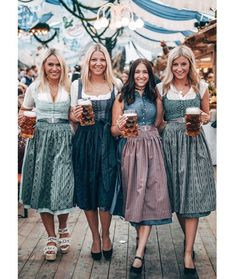 Gottseidank repost/ for Tina Thompson - Lo Que Necesitas Saber Para La Fiesta Festival Costumes, Festival Outfits, Dirndl Dress, Dress Up, Octoberfest Costume, German Costume, Beer Girl, Traditional Dresses, Clothes