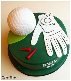Really enjoyed making this golf themed cake with a very detailed glove and a super edible golf ball.