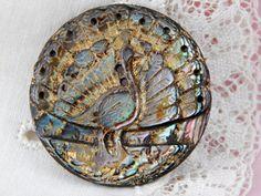 Ormeau sculpté Peacock bouton