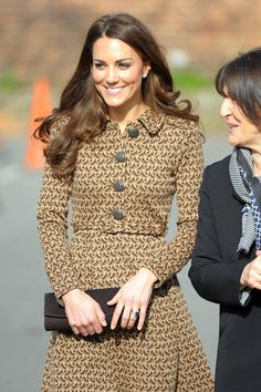 Kate Middleton - Kate Middleton Visits Rose Hill School