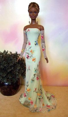 Barbie in White sheath with floral embroidery Barbie Gowns, Barbie Dress, Barbie Clothes, Barbie Barbie, Barbie Style, Manequin, Diva Dolls, Dolls Dolls, African American Dolls
