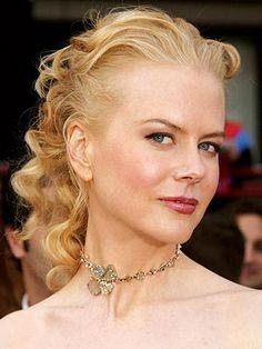 Oscars She wore a Bulgari custom-made 195-carat green-diamond necklace.