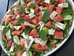Vandmelonsalat Raw Food Recipes, Salad Recipes, Vegetarian Recipes, Cooking Recipes, Healthy Recipes, Food N, Food And Drink, Greens Recipe, Food Humor