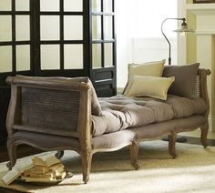 Monroe Daybed....I want this......for those of you who are looking to buy me a gift.....