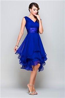 A-Line/Princess V-neck Knee-length Chiffon Prom Dress