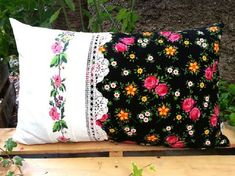 From Old to New, from Useless to Useful, фото № 27 Pink Pillows, Cute Pillows, Throw Pillows, Burlap Crafts, Diy And Crafts, Bed Cover Design, Cushion Embroidery, Memory Pillows, Burlap Fabric