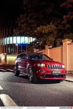 Jeep Grand Cherokee SRT8 review: http://exoticcars.pl/testy/jeep-grand-cherokee-srt8/