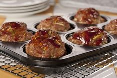 If your family loves meat loaf, why not give quick & easy Two-Step Meat Loaf Muffins recipe a new taste each time you make it? Try it with hickory-smoked, honey-garlic, and other types of barbecue sauces for different twists! Diabetic Recipes, Low Carb Recipes, Cooking Recipes, Healthy Recipes, Meat Recipes, Recipies, Pre Diabetic, Diabetic Foods, Diabetic Living