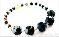 Elegant faceted black AGATE natural stone beaded statement necklace set in gold tone findings. JOANA CZELLNIK design.