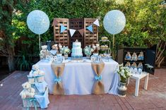 The dessert table with this teddy bear baby shower is beautiful ! I love the decorat … – Ideen – Baby Shower Cadeau Baby Shower, Idee Baby Shower, Baby Shower Vintage, Baby Shower Cakes, Baby Boy Shower, Elephant Baby Showers, Vintage Party, Baby Shower Decorations For Boys, Boy Baby Shower Themes