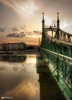 budapest Budapest #travel Wonderful Places, Beautiful Places, Liberty Bridge, Budapest Hungary, Tower Bridge, Homeland, Sunrise, Around The Worlds, Earth