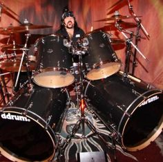 Vinnie Paul - Pantera Music Love, My Music, Vinnie Paul, Heavy Rock, Drummer Boy, How To Play Drums, Heavy Metal Bands, Drum Kits, Rock Legends