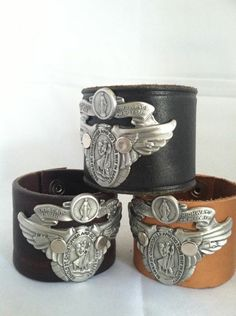 #unobymitch #leather #reclaimed #leathercuff #houston #mitchdarte #fashion #unisex #cowgirl #cowboy #tooledleather #accessories #vintage #artist #latinaartist #cabochons #nuggets #turquoise #recycled #roughrider #mitchdarte etsy.com