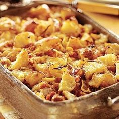 """Best-Ever Potatoes - Two kinds of cheeses, sour cream, and a tomato topper make this potato side-dish recipe the """"Best-Ever""""! Potato Sides, Potato Side Dishes, Vegetable Dishes, Vegetable Recipes, Potato Recipes, Great Recipes, Favorite Recipes, Good Food, Yummy Food"""