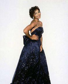 Janet Jackson - Tatler Magazine, 1995 - Design of a Decade Jackson Music, Janet Jackson, Black Music Artists, Hulk Sketch, Strapless Dress Formal, Formal Dresses, Music Icon, Woman Crush, Beauty Women