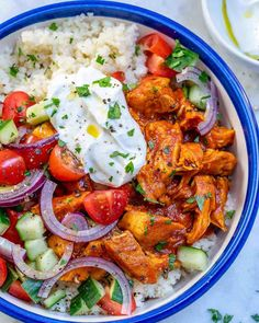 This Moroccan Chicken Couscous Bowl recipe has its own unique bold flavor to it. Packed with protein and veggies, this makes a perfect lunch bowl for any Vegan Couscous Recipes, Chicken Couscous, Couscous Meals, Morrocan Food, Healthy Dinner Recipes, Cooking Recipes, Moroccan Chicken, Le Diner, Healthy Meals