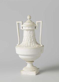 Urn van biscuit, Lodewijk XVI, wit met rechte oren., Manufacture de Monsieur le Duc, ca. 1780 - ca. 1790