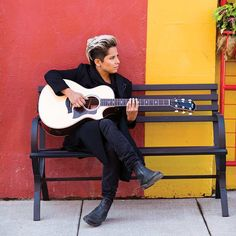 Vicci Martinez isn't worried about the rules. Vicci Martinez, Pretty People, Beautiful People, Alex And Piper, Androgynous Models, Female Shorts, Big Crush, Orange Is The New Black, Lifestyle Photography