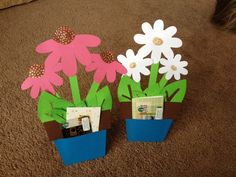 Tidbits of everyday life from a Mommy and more: Gift Card on a Paper Flower Pot