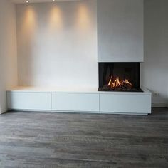 Bedroom Fireplace, Home Fireplace, Modern Fireplace, Living Room With Fireplace, Fireplace Design, Classy Living Room, Home Living Room, Living Room Designs, Living Room Decor