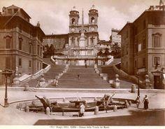 Die Spanische Treppe mit dem Barcaccia Brunnen im 19. Jhd.