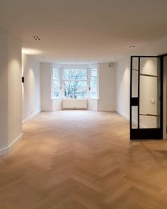 Herringbone in project in Old South - My Living Room, Home And Living, Style At Home, Modern Interior Design, Interior And Exterior, Nordic Home, Home Hacks, Home Decor Inspiration, Home Fashion