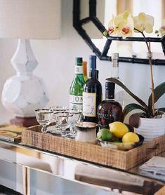 Dicas para criar um mini bar na sala e ter um cantinho especial para fazer uma pausa.